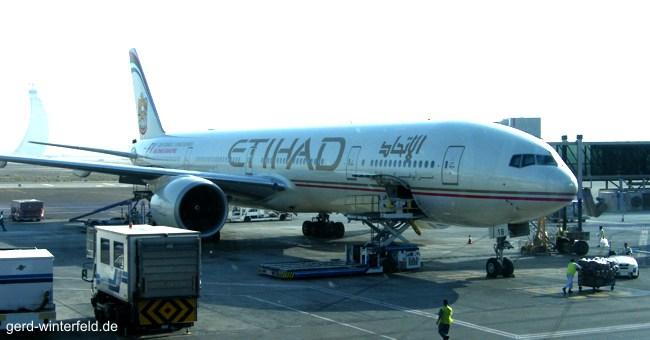 Boeing 777 der Etihad Airways auf dem Flughafen von Abi Dhabi