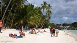 Der Alona Beach auf Panglao Island, Bohol, Philippinen
