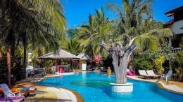 Unser Swimmingpool im Laguna Beach Club am Klong Dao Beach