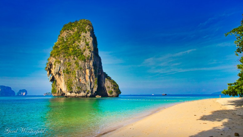 Kleine Felseninsel bei Krabi, Thailand