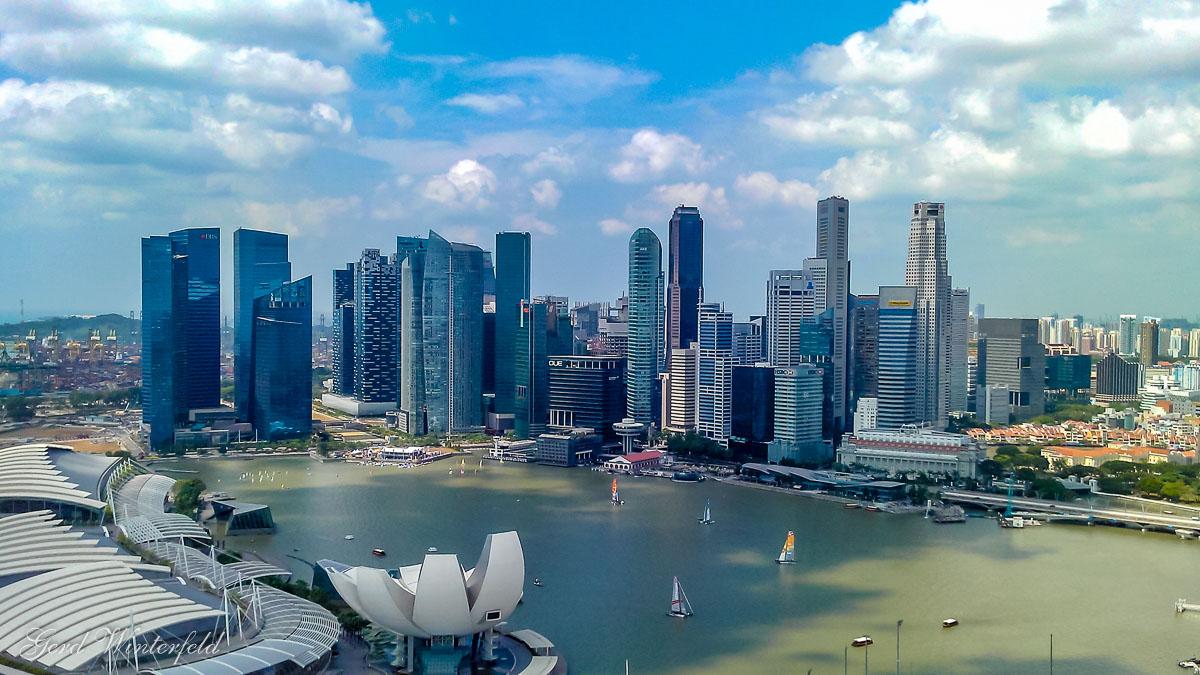 Am Changi Airport in Singapur