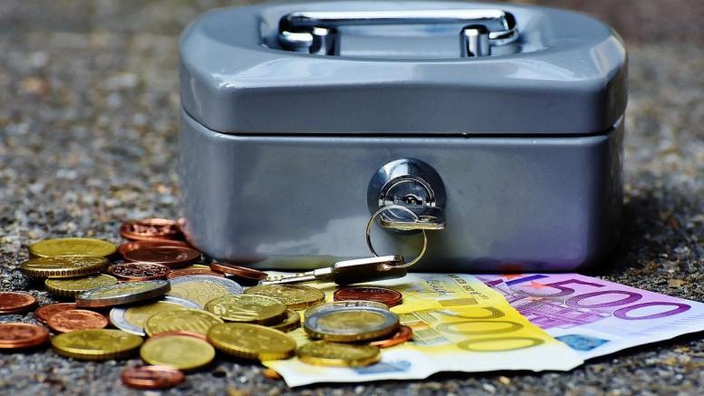 Geld, Finanzen, Geldkassette